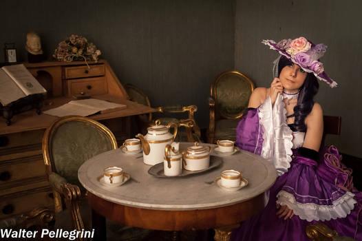 Nozomi in tea room