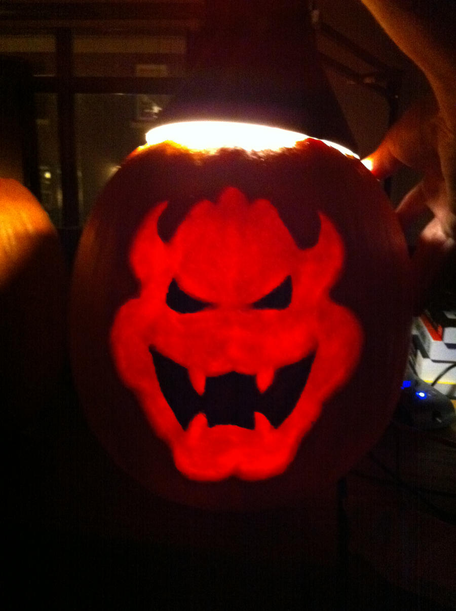 Bowser Pumpkin 2010 by ShyGuyBand