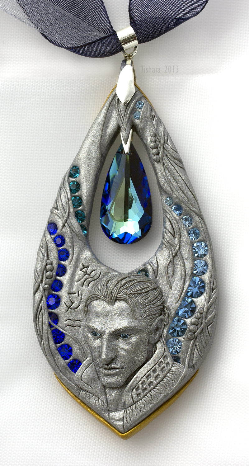 The Gift and the Curse - pendant by tishaia