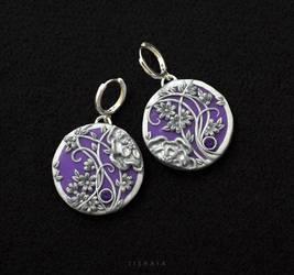Purple by tishaia