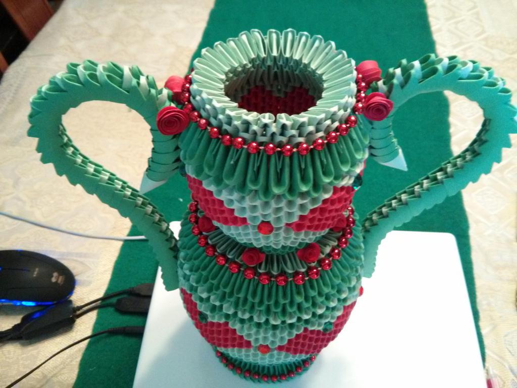 Vase 3D Origami By Esmeraldaarribas