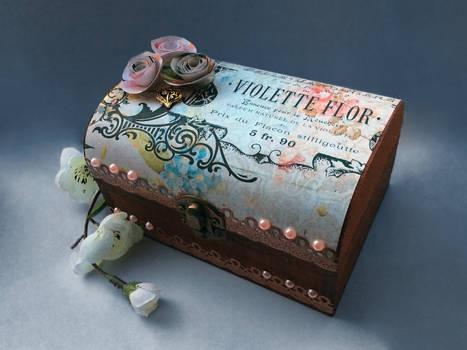 Vintage Style Wooden Jewellery Box
