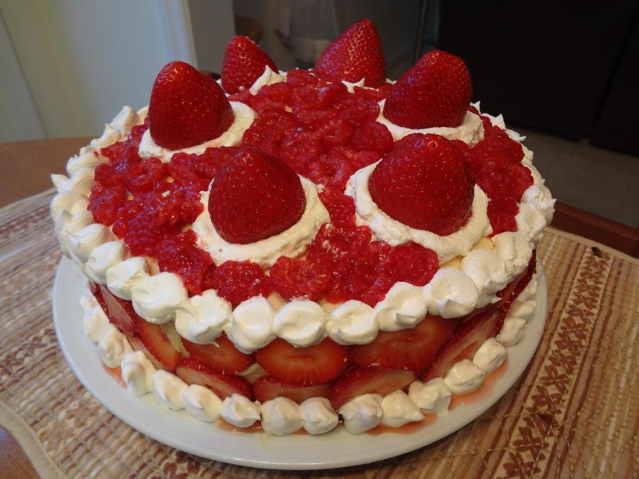 recipe: strawberry and raspberry cake [15]