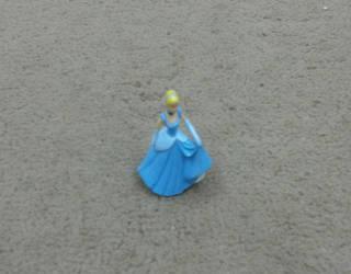 Cinderella's figurine (Disney)