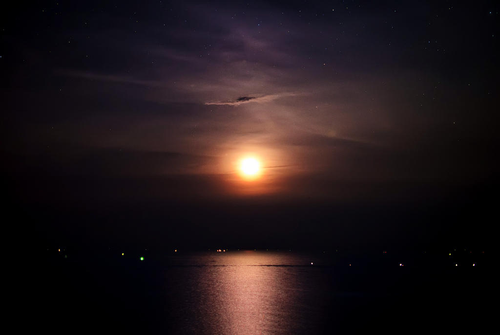 Moonrise over Hua Hin by palmbook