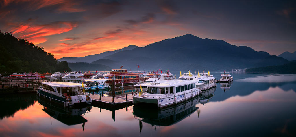 Sun Moon Lake by palmbook