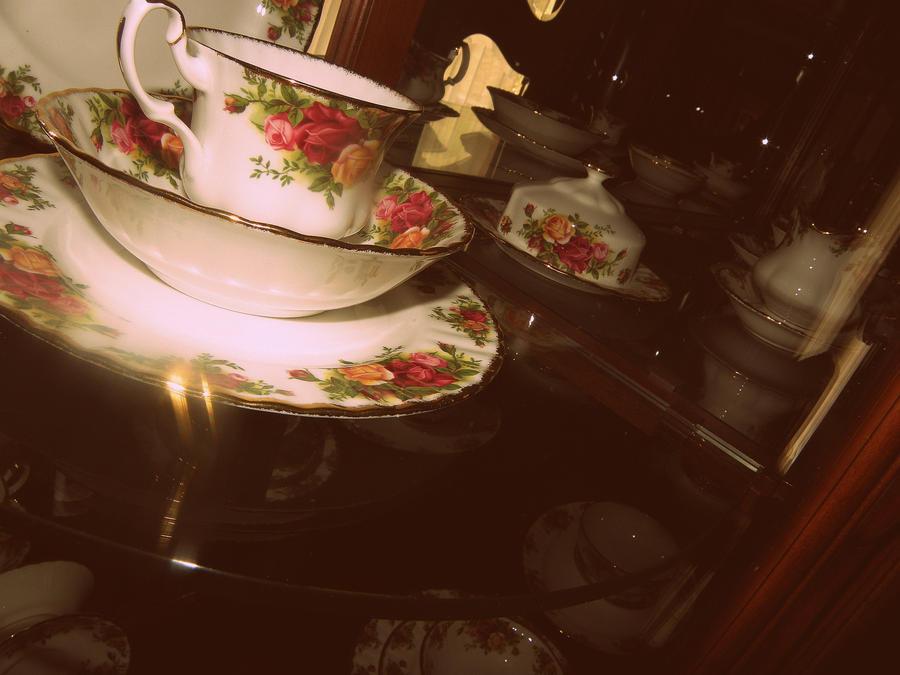 najromanticnija soljica za kafu...caj - Page 3 Tea_time_by_viperstripes-d3djyo2
