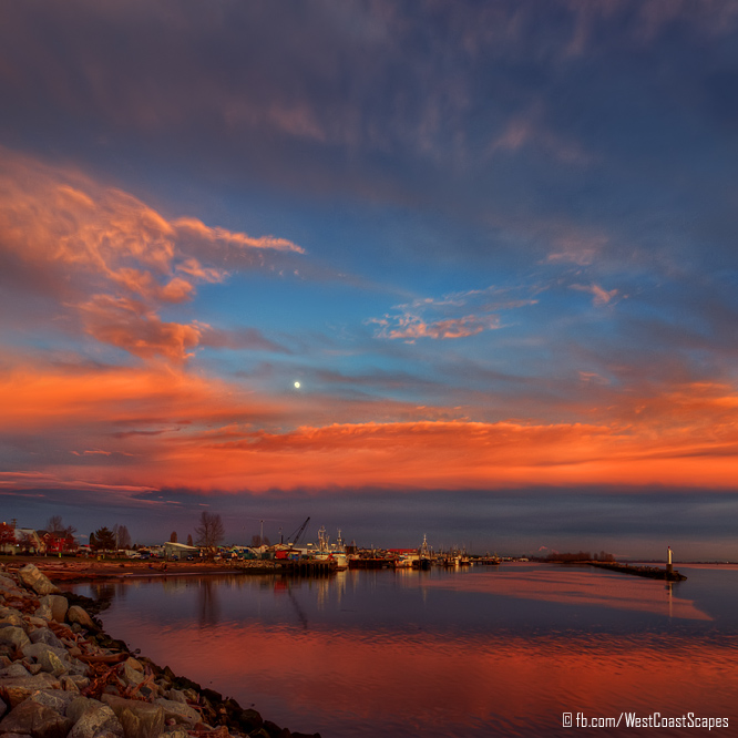 Steveston Moonrise by IvanAndreevich