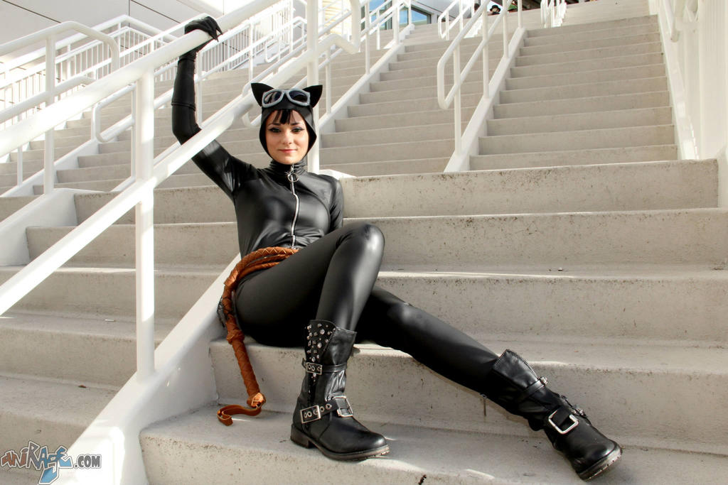 Catwoman - Meow by Cortana2552