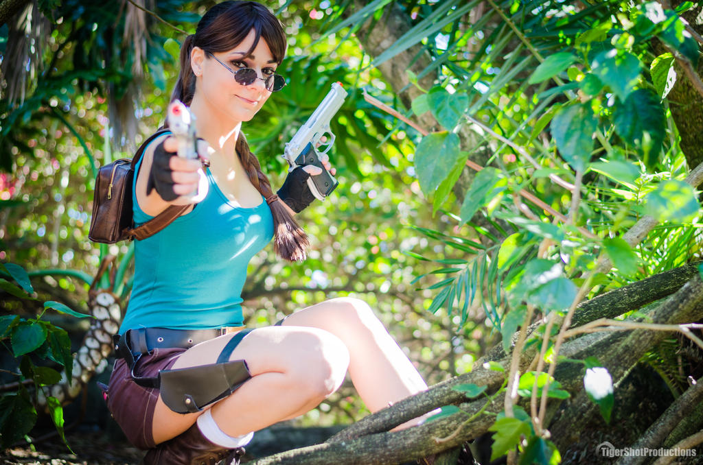 Lara Croft - Jungle Green by Cortana2552