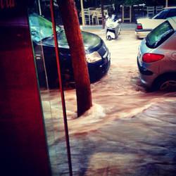 I think it's rainy outside  Img 20140719 141032