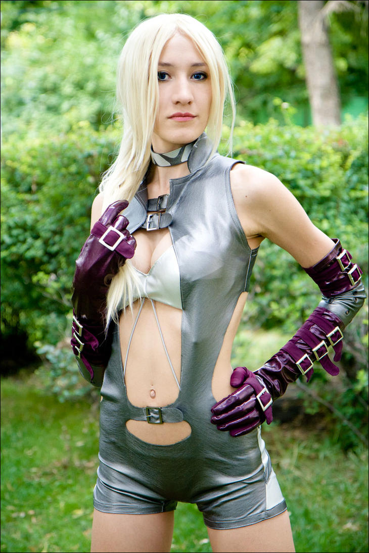 Nina Williams by tajfu
