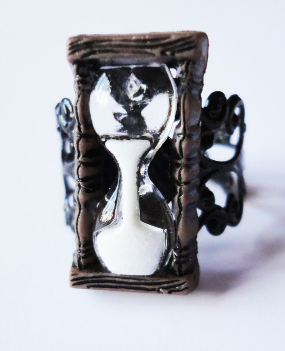 Hourglass Ring Unusual Filigree Vintage Medieval By