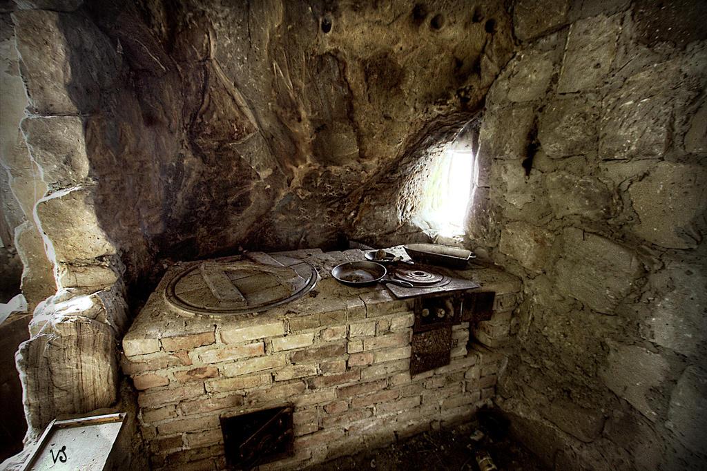 Cave Dwelling Kitchen    Scal. by Capricornus60