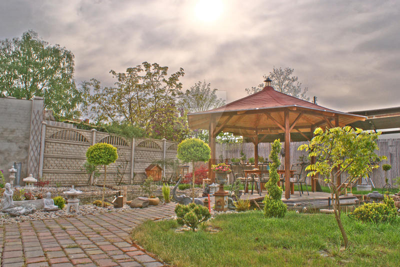 Our garden in HDR