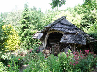 Gardenhome of wood by woodcarve