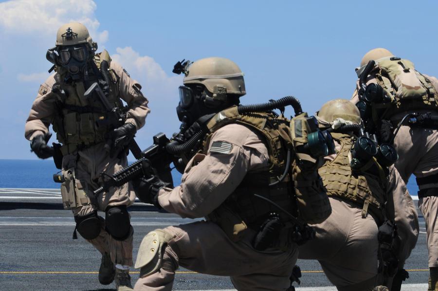 E.O.D. Team by MilitaryPhotos