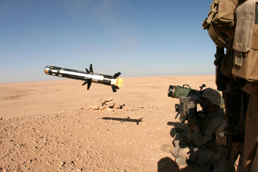 fc04.deviantart.net/fs70/i/2010/197/5/f/The_Javelin_Missile_by_MilitaryPhotos.jpg