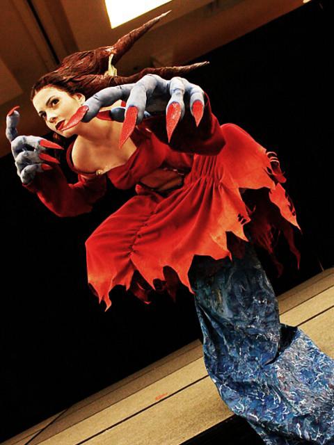 Eve cosplay, full body by Kapalaka