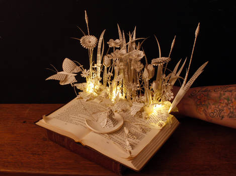 Thumbelina book sculpture and light