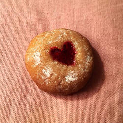 Heart strawberry jelly cookie by Araya42