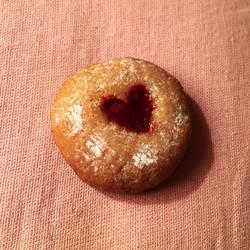 Heart strawberry jelly cookie by Araya42