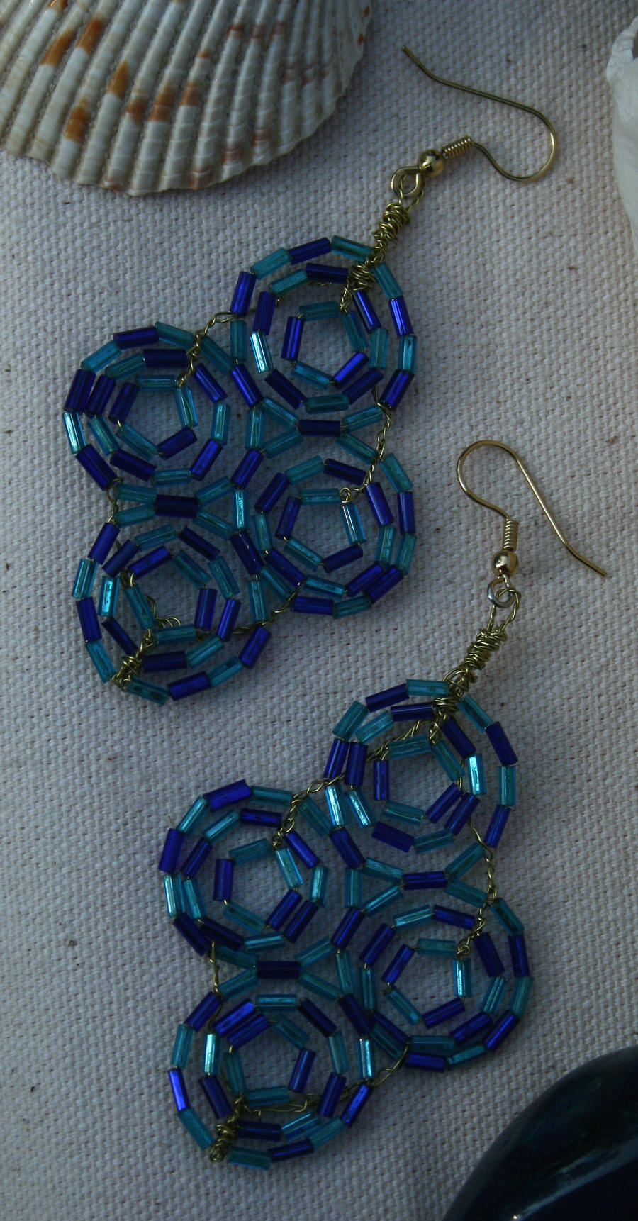 4 blue circles earrings by the-twisted-vine