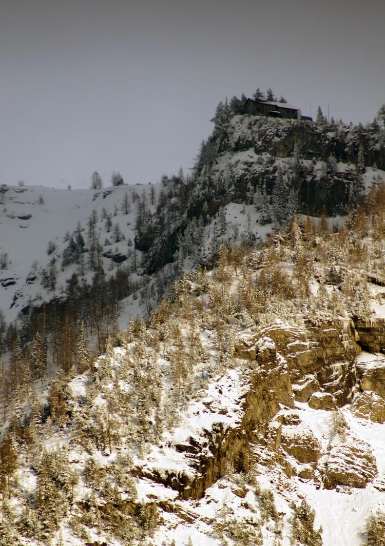 Golden Cliff by DuarteFotografiach