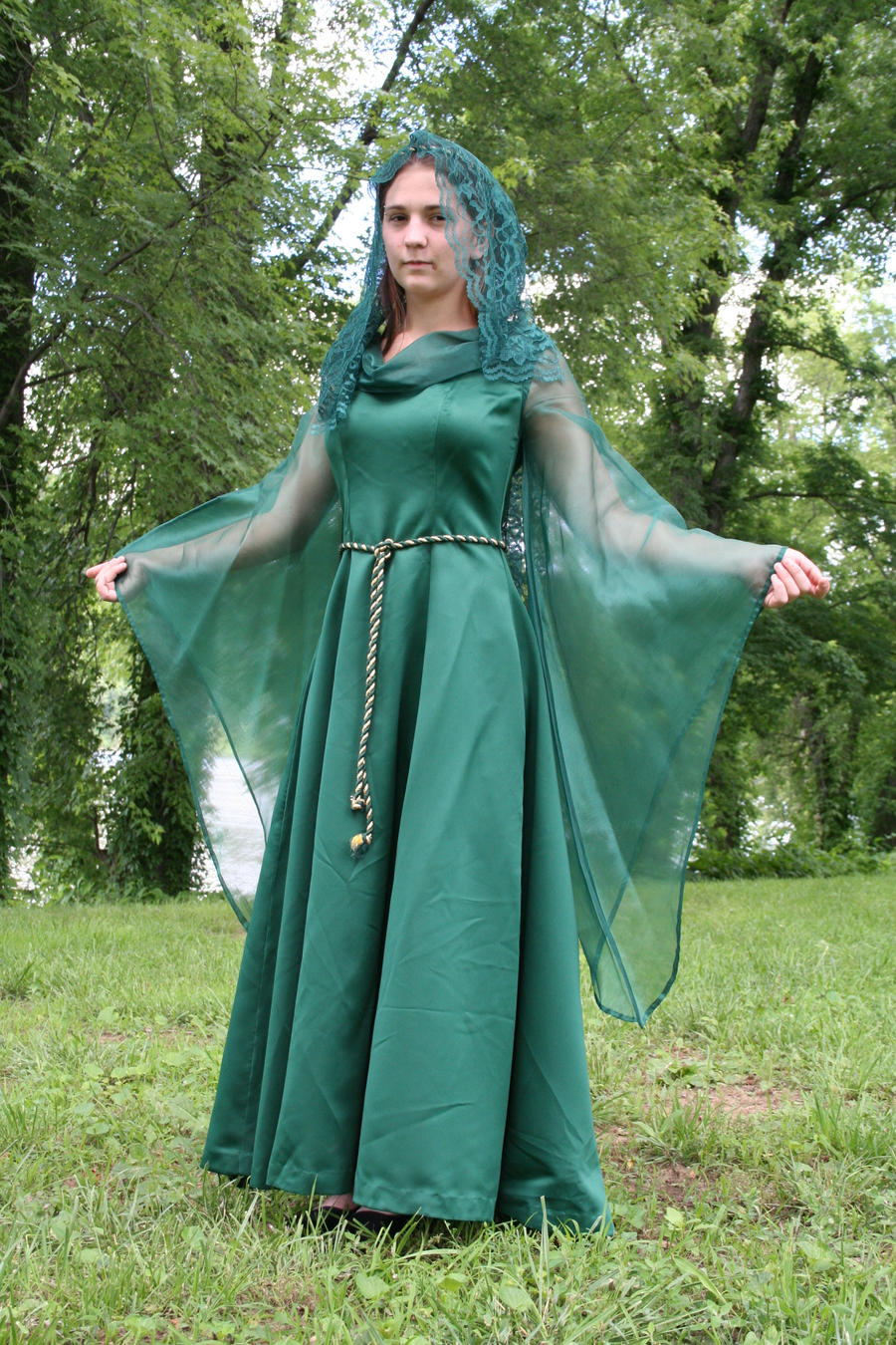 An introduction to the clothing of the middle ages