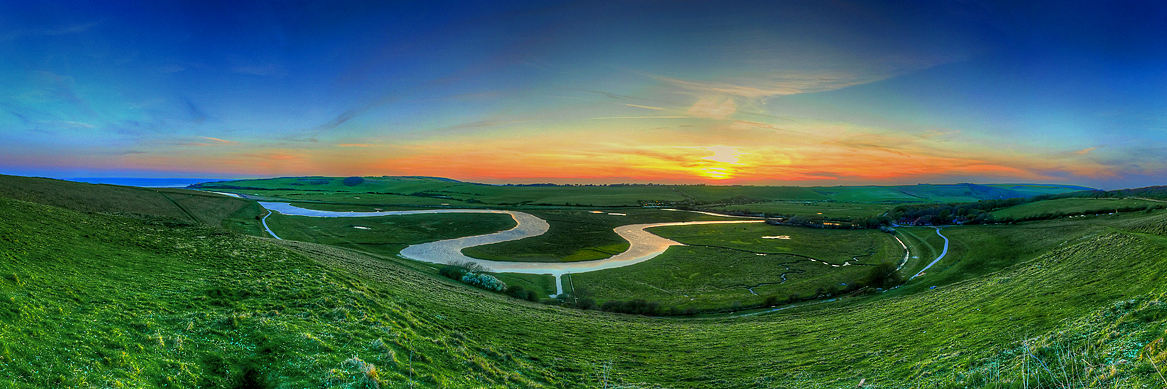 The River Runs Through It by wreck-photography