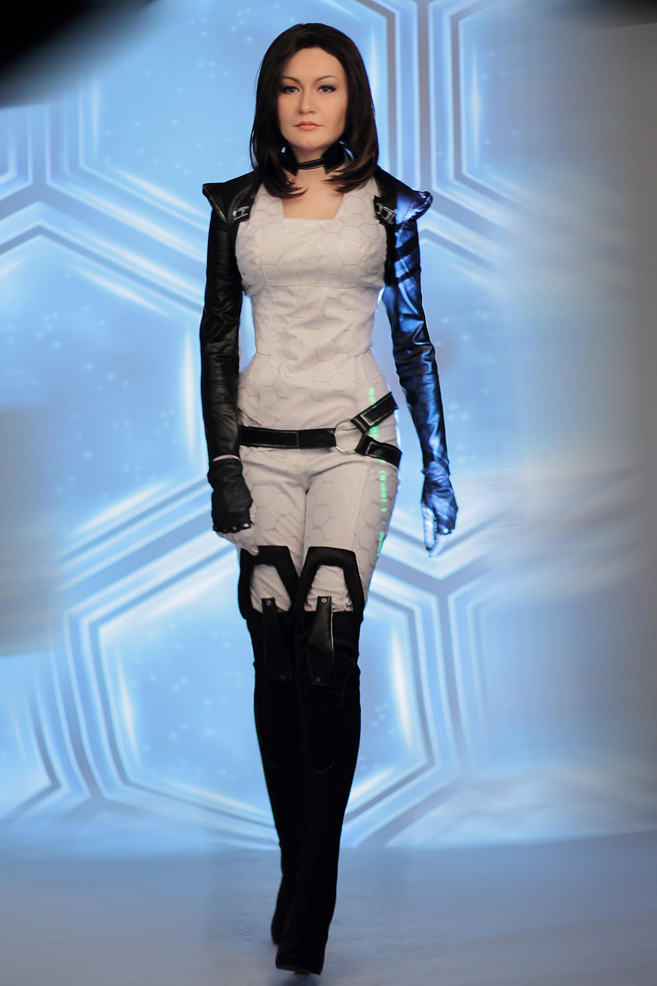 Miranda Lawson - Mass Effect cosplay by MonoAbel