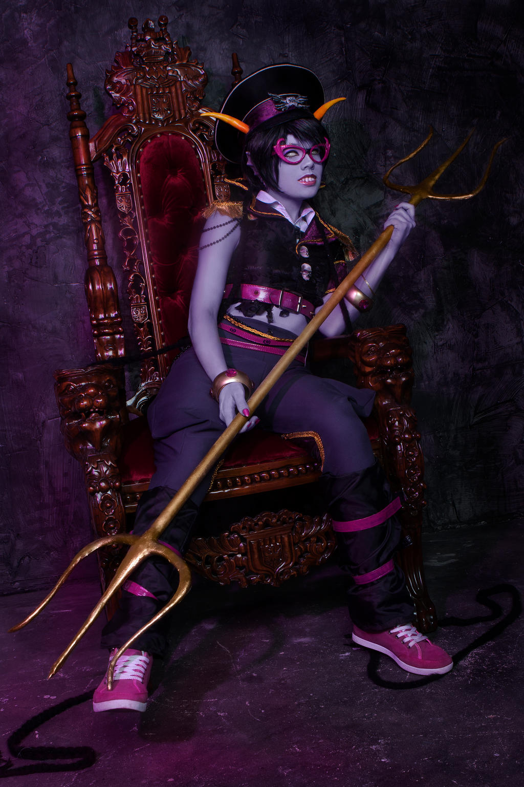 MEENAH: be like a fish king by JulchenBeilshmidt