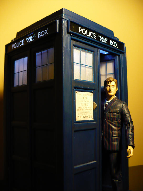 Tenth Doctor and the Tardis by DoctorWhoNC on DeviantArt