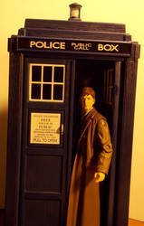 10th Doctor and Tardis - 3.75