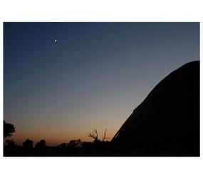 Desert moon by jayware