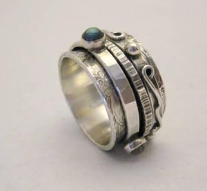 Labradorite Twiddle Ring