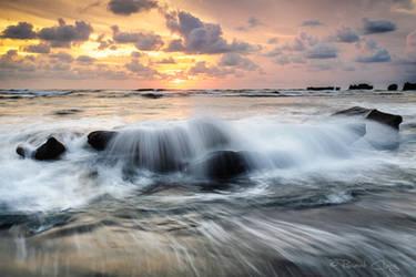 .:Mengening Beach Sunset:. by RHCheng