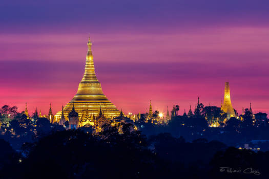 .:Shwedagon Pagoda Sunset I:.
