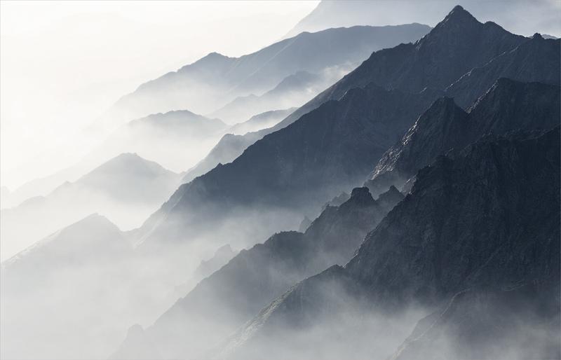 Morning Mist by RobertoBertero
