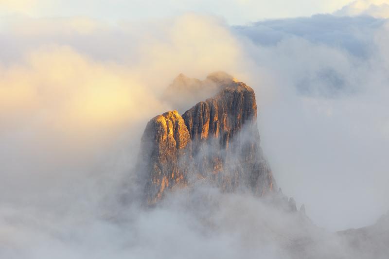 Castle in the Clouds by RobertoBertero