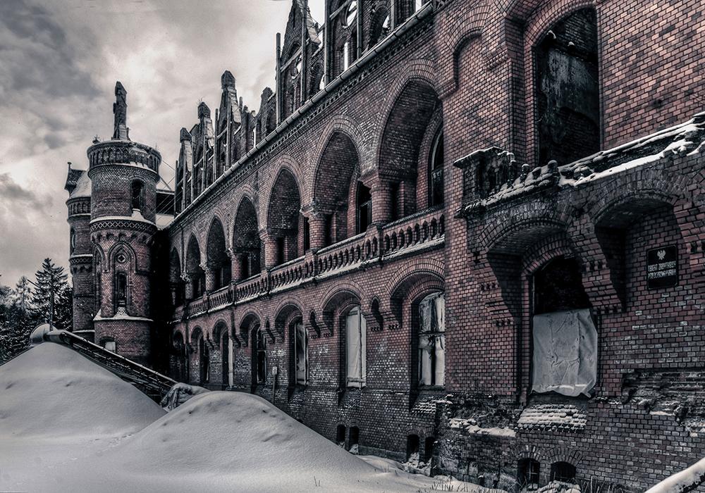 Dr Brehmer Sanatorium III by AbandonedZone