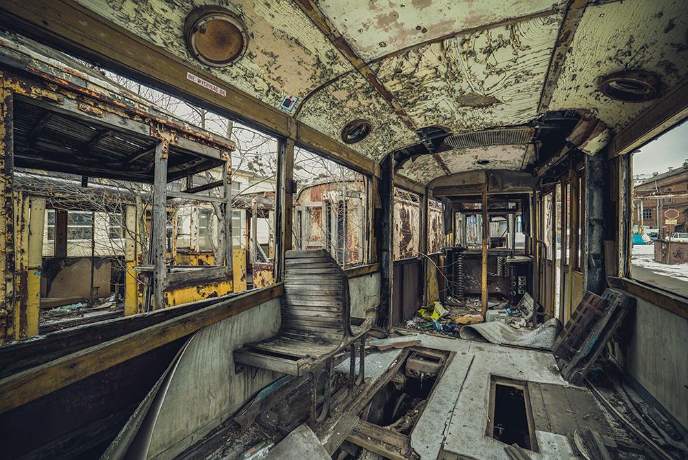 Tram no. 9 by AbandonedZone
