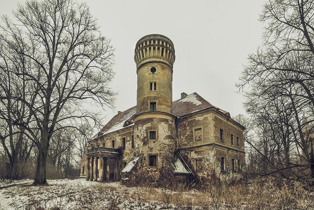 Mit freundlichen gruessen by AbandonedZone