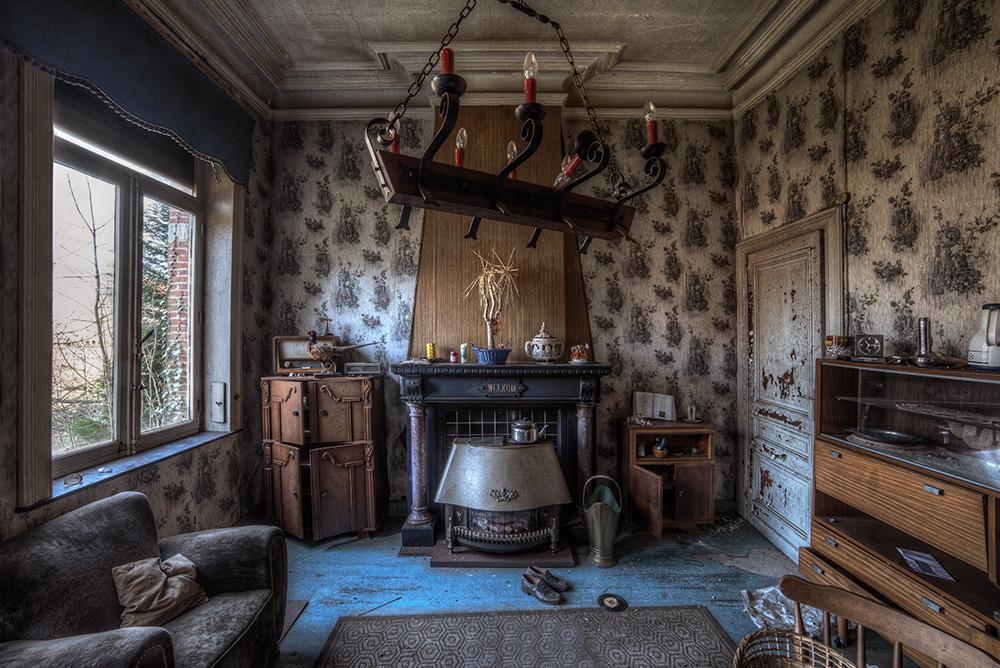 Abandoned Villa by AbandonedZone