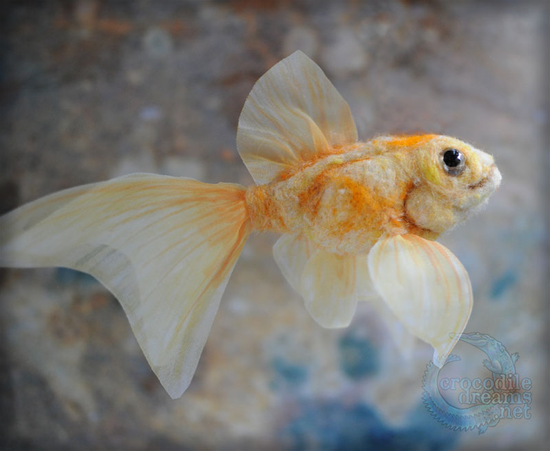Needle-felted Goldfish by crocodiledreams