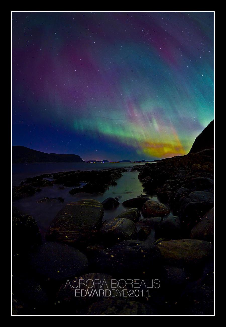 Aurora Borealis by dr-phoenix