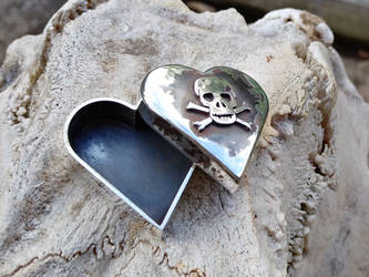 Skull Pill Box (Love You To Death)