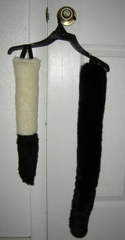 Inverse Fox tail and black Cat tail