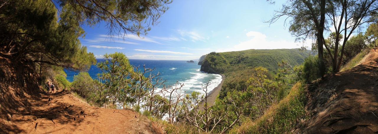 Pololu Valley Hawaii by ToeTag