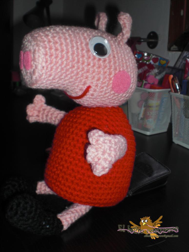 Amigurumi Pepa Pig : Peppa pig amigurumi by elbuhocosturero on DeviantArt
